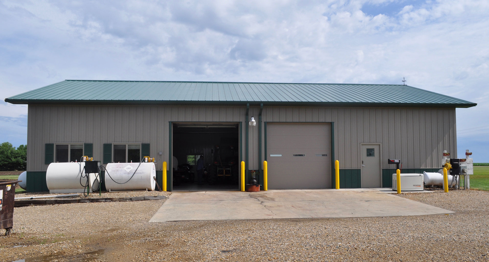 http://hartmanstatewide.com/sites/hartmanstatewide.com/assets/images/Project/RCHartmanbuildings10.jpg